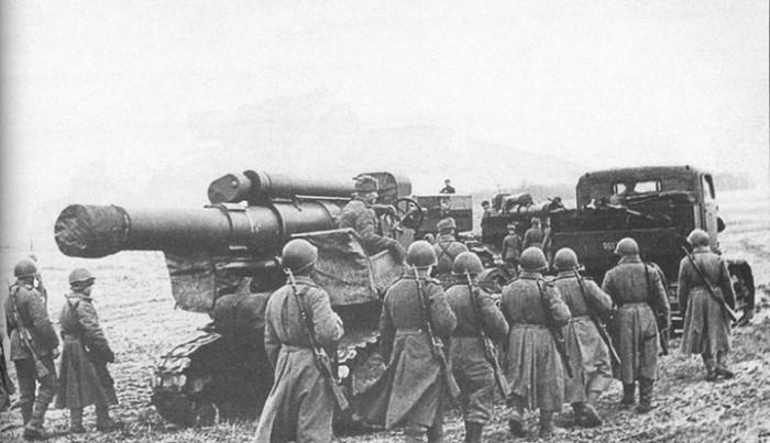 Командир артиллерийской батареи пришел в ужас, когда узнал КУДА попал