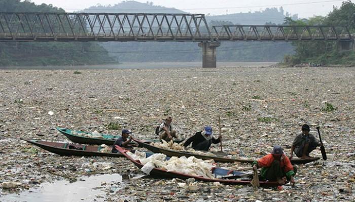 Три самых грязных водоема нашей планеты