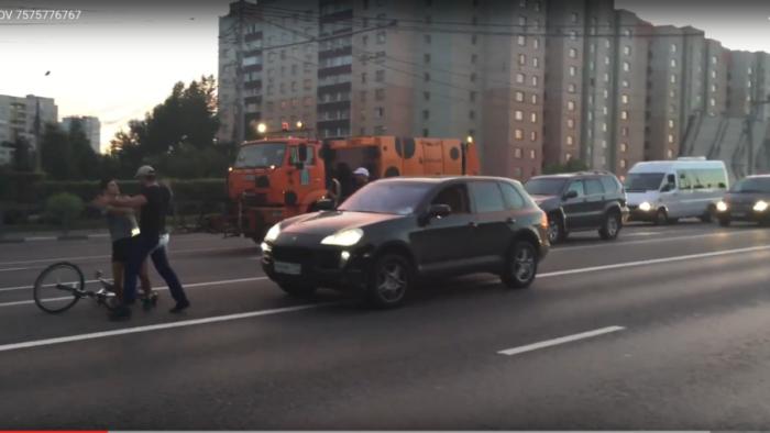 Наказание быдла. Маски-шоу на улице Москвы