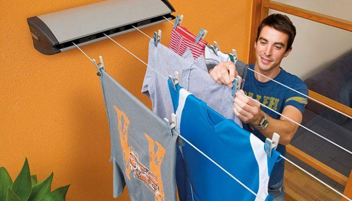 Вы тоже сушите одежду в комнате? Немедленно прекратите это делать!
