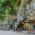Уникальный дом в пещере выставлен на продажу. Только посмотрите на его интерьер!