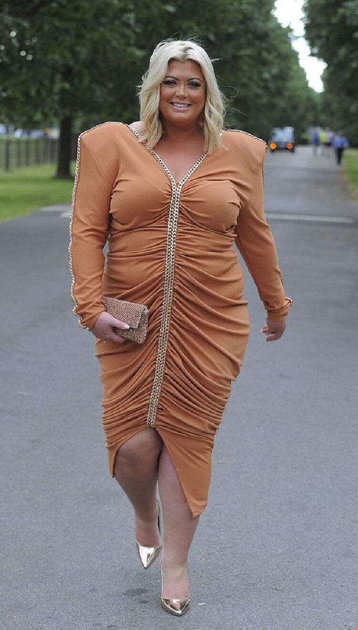 любой фото самых неудачных платьев звезд сорочки