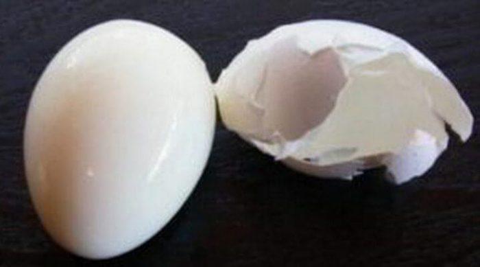 Как сварить яйца, чтобы скорлупа с них буквально слетала