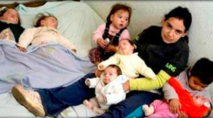 Родственники отказались от девушки, которая к 17-ти годам родила семерых детей
