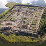 Загадочная древняя крепость посреди сибирского озера